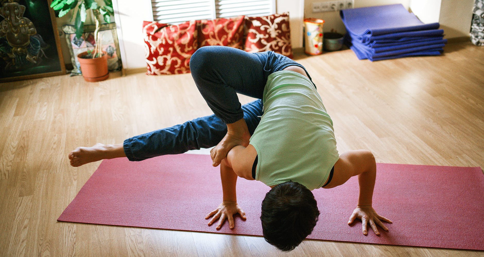 best way to learn yoga at home