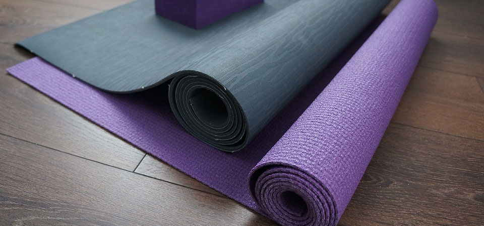 How To Steam Clean Your Yoga Mat Safe Amp Natural Cleaning